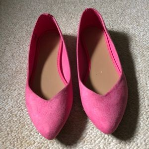 Pink pointed toe flats